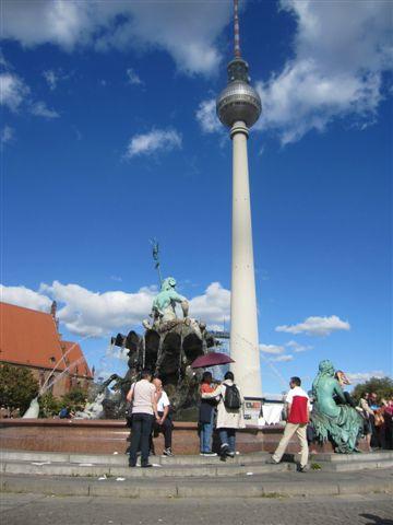 東柏林的象徵 電視塔