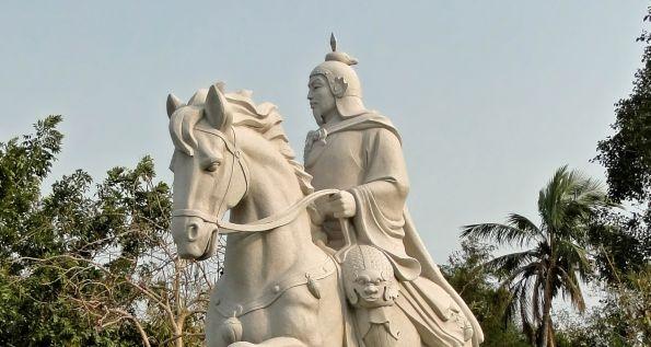 statue_of_koxinga_tainan_595