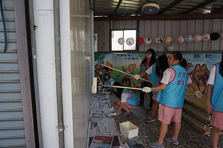 0427社區美化 卓蘭老庄社區  青年i服務 卓蘭高中同學分享並回饋心得.JPG