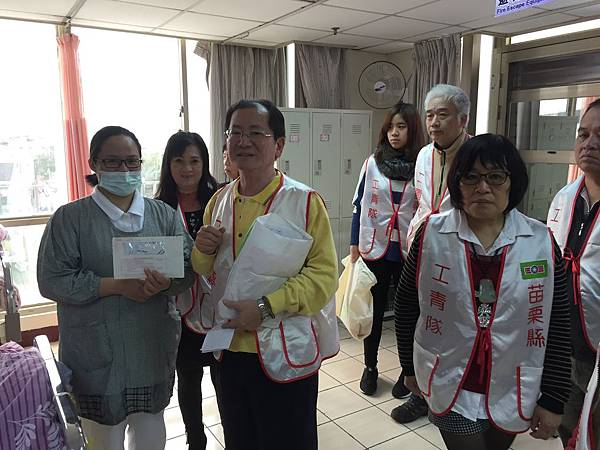工青隊寒冬送暖20160110 協和慈善基金會創世基金會01.JPG