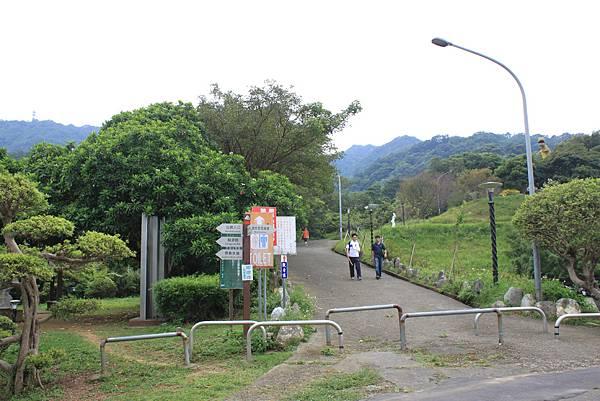 0930小粗坑古道上石門山頂 (56)