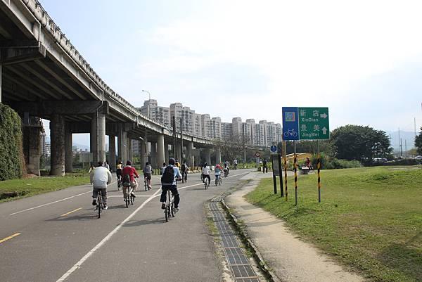 0224新店溪畔騎單車 (5)