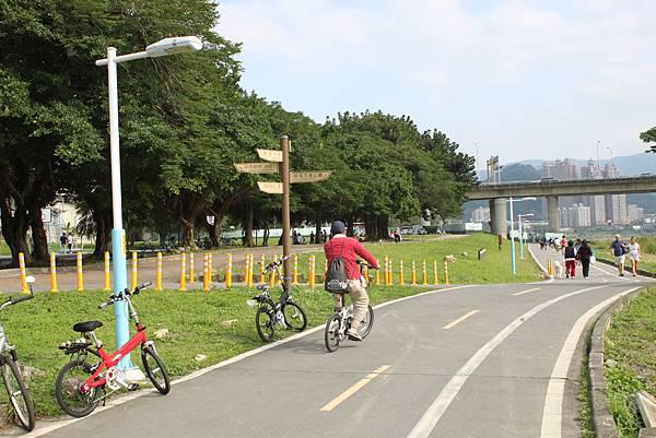 0224新店溪畔騎單車 (14)