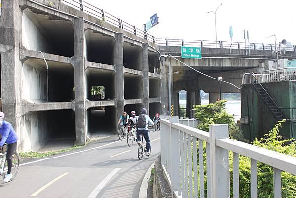 0224新店溪畔騎單車 (17)