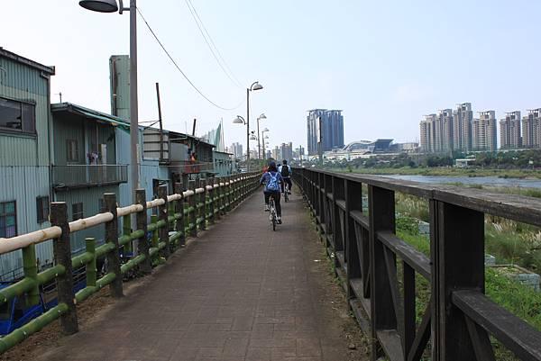 0224新店溪畔騎單車 (31)