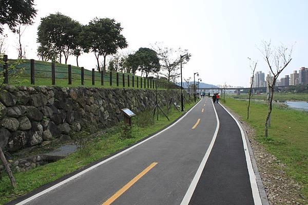 0224新店溪畔騎單車 (33)