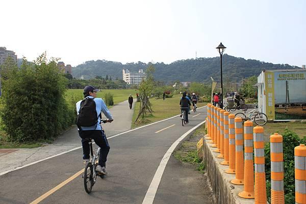 0224新店溪畔騎單車 (35)