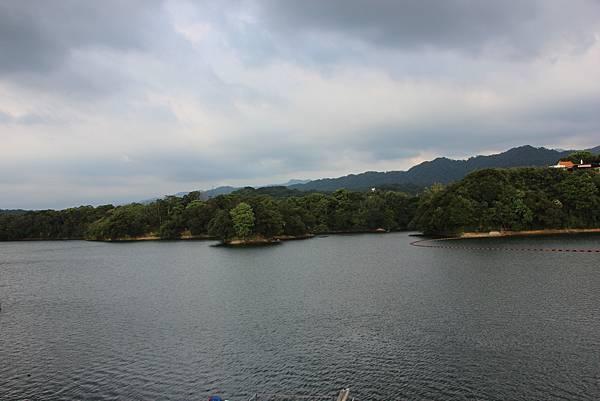 0712頭屋鄉明德水庫騎單車 (36).JPG
