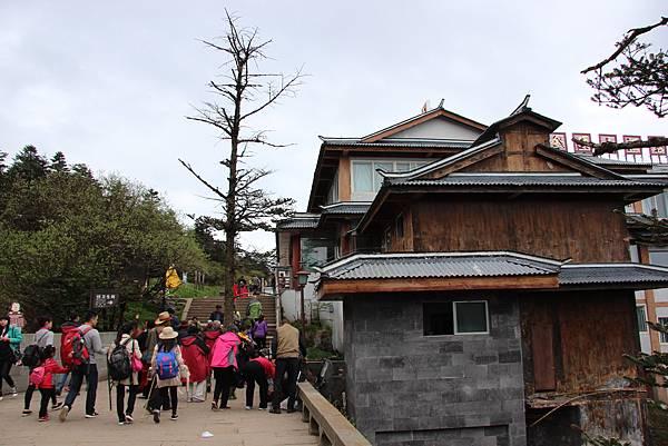 0519四川峨嵋山金頂雲海 (16).JPG