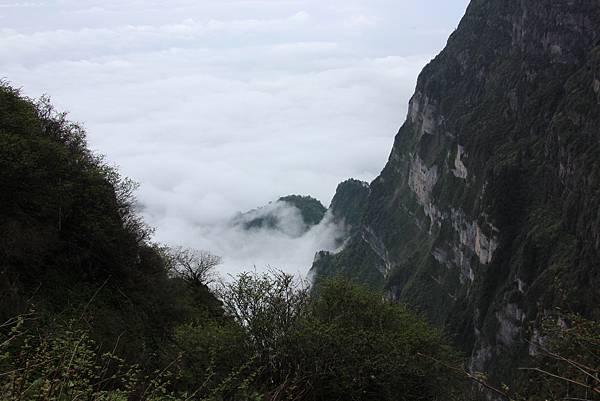 0519四川峨嵋山金頂雲海 (36).JPG