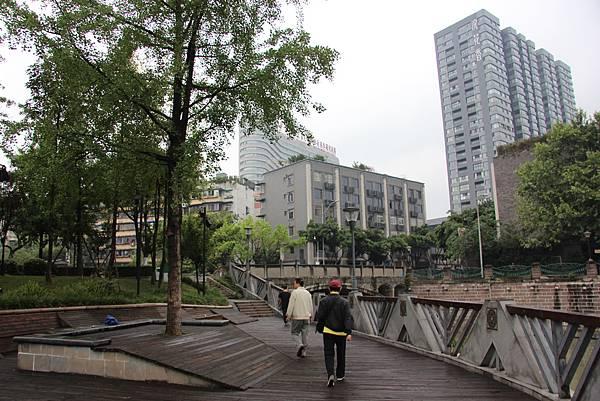 0517成都送仙橋琴臺路一帶街景 (10).JPG
