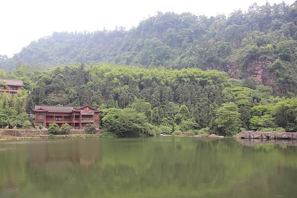 0519峨眉山清闉寺 (5).JPG