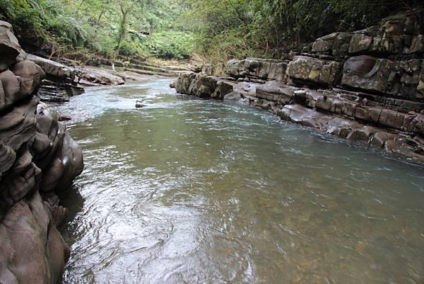 1025金瓜寮溪步道 (47).JPG