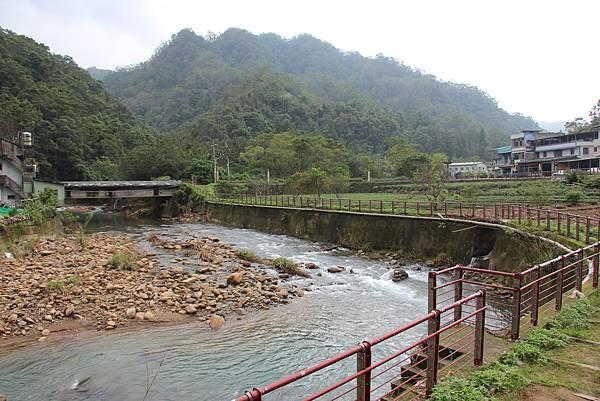 1025金瓜寮溪步道 (95).JPG