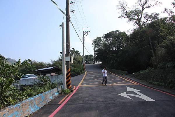 1107遊三芝青山瀑布尖山湖步道 (6).JPG