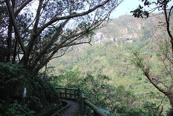 1107遊三芝青山瀑布尖山湖步道 (13).JPG