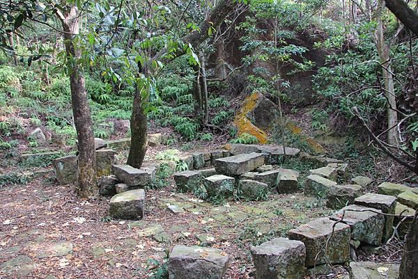 1114剪刀石山 (14).JPG