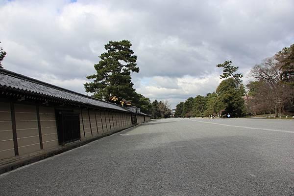 0326京都御苑賞櫻 (52).JPG