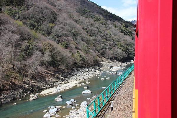 0326京都嵐山瑳峨野觀光火車、保津川遊船 (18).JPG