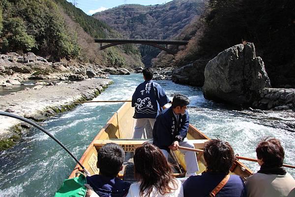 0326京都嵐山瑳峨野觀光火車、保津川遊船 (57).JPG