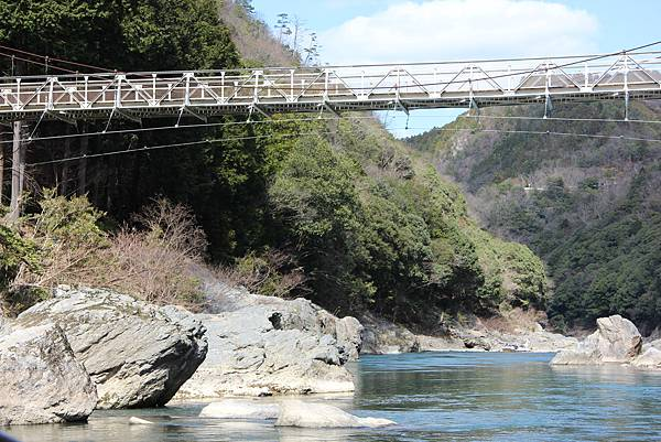 0326京都嵐山瑳峨野觀光火車、保津川遊船 (77).JPG