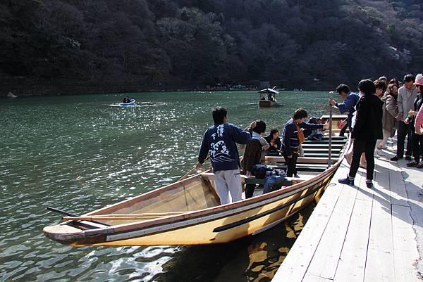 0326京都嵐山瑳峨野觀光火車、保津川遊船 (94).JPG