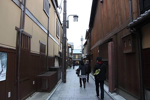 0327京都八阪神社、花見小路 (21).JPG