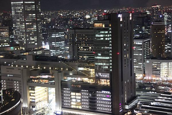 0328大阪空中花園夜景 (6).JPG