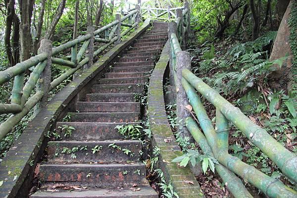 1112海興步道、大武崙山 (35).JPG