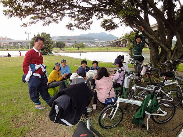 990417小獅頭山二重騎車聚餐 (4).JPG