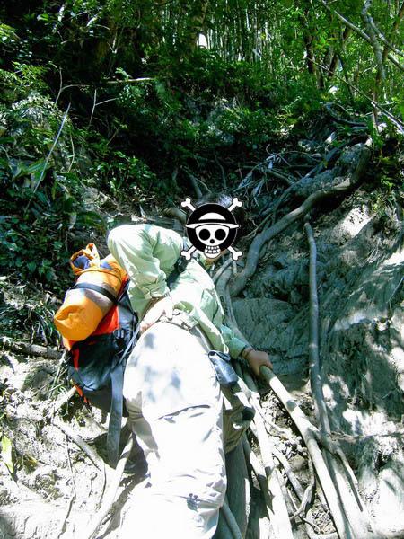 古道39-正攀在陡坡上的某人 XD