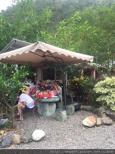 宜蘭桶仔雞,宜蘭露營,烤肉烤魚,團體聚餐場地出租-蜜蜜雞地