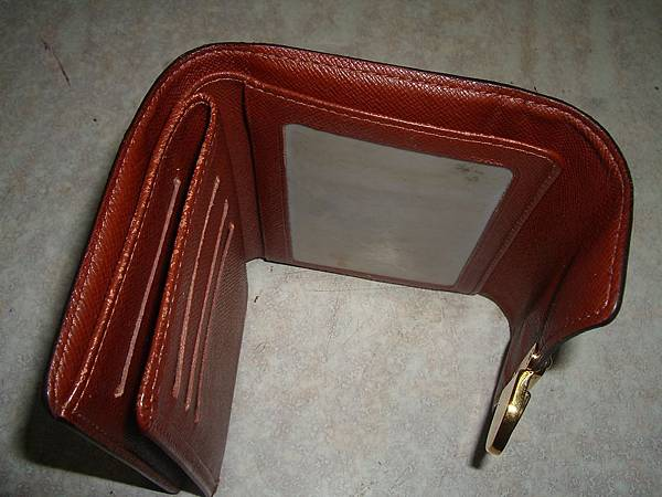 皮夾包邊修補-修理後的照片-2