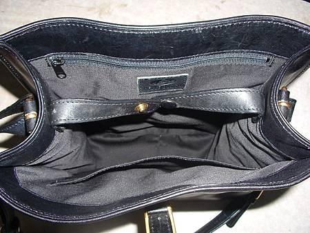 皮包內裡材質老舊氧化的處理