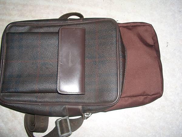包包內裡嚴重破損更換布料製作包包新內裡