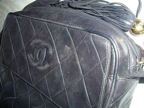 皮包四周包邊皮料破損的修補