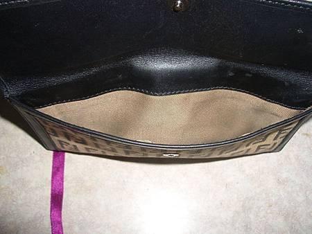 皮夾內裡車縫線脫落
