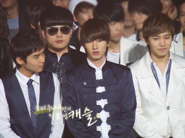 090403 KBS-2TV Music Bank01.jpg