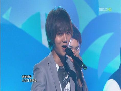 090530 MBC.Show!MusicCore.SJ.ItsYou -1[(004195)15-01-40].JPG