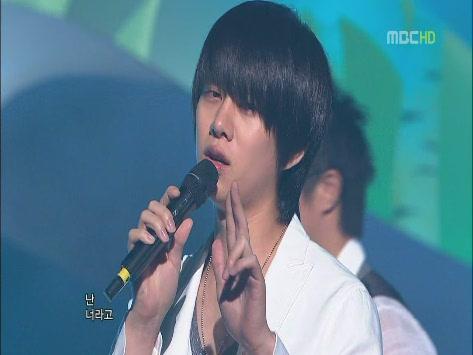 090530 MBC.Show!MusicCore.SJ.ItsYou -1[(005176)15-02-43].JPG