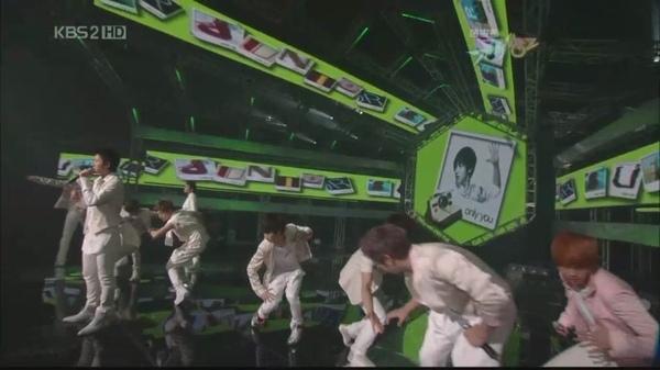 090605 KBS.MusicBank-SJ.It'sYou+一位投票[08-29-35].JPG