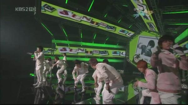 090605 KBS.MusicBank-SJ.It'sYou+一位投票[08-30-04].JPG