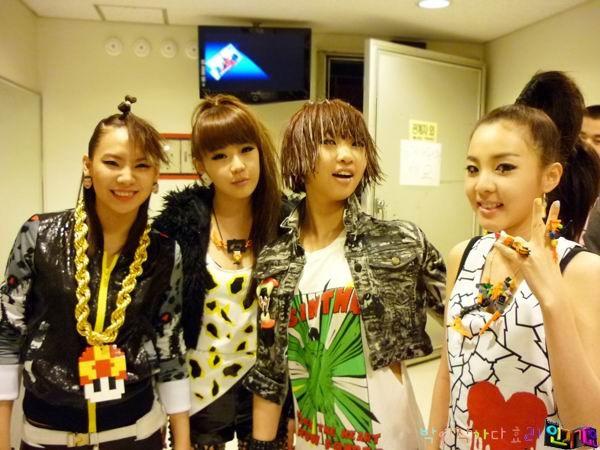090531 SBS Inkigayo1.jpg