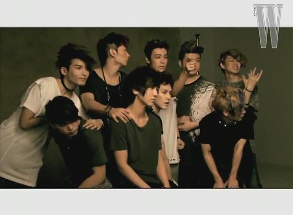 W Korea .SuperJunior.Making of photoshoot[12-45-11].JPG