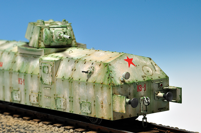 soviet_armored_train_red_star_mmodel_02