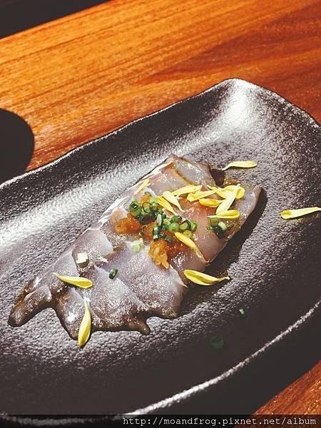 青磯魚,上面是水果醋