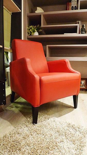定製款復古雅痞扶手椅-染色樺木+高密度泡棉-義大利進口皮1.1~1.2mm.jpg
