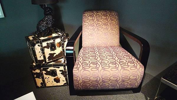時尚大師-紫色曲木單椅-樺木曲木+高密度泡棉+進口布花.jpg