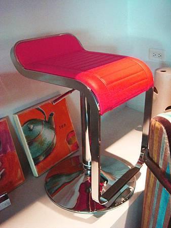 平面時尚氣壓式吧台椅(紅)--不繡鋼管+乳膠皮革.jpg