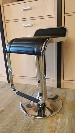 平面時尚氣壓式吧台椅(黑)--不繡鋼管+乳膠皮革.jpg
